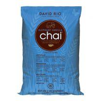David Rio Chai Elephant Vanilla 1,814 kg Pose